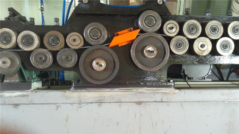 स्वयंचलित ररकबळ झुडूप मशीन