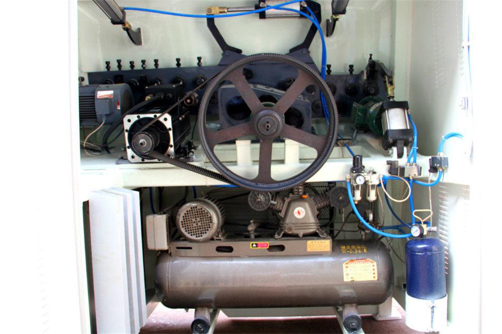 सीएनसी वायर बेंडिंग मशीन 4