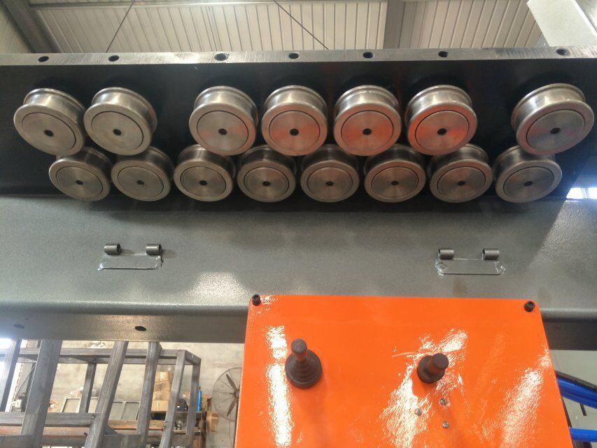 सीएनसी स्टील बार झुडूप मशीन